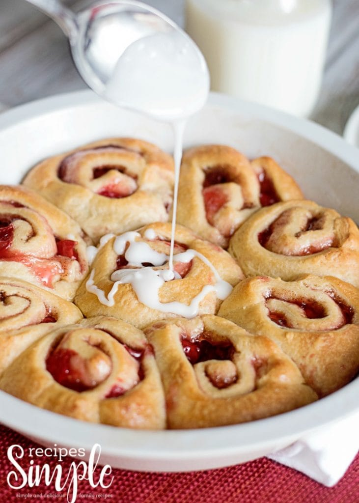 cinnamon roll with cherry filling