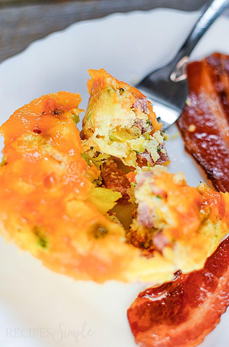 Ham, Broccoli, and Cheddar Breakfast Muffins