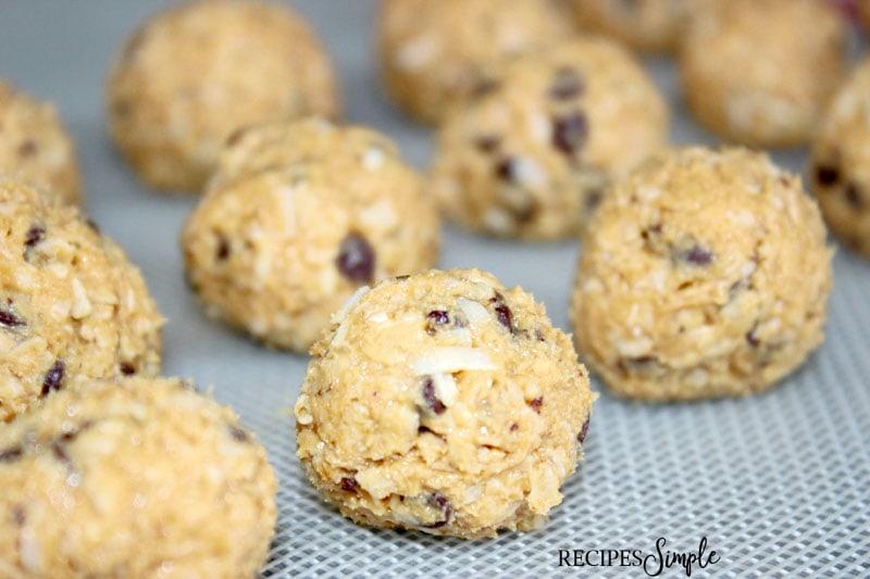 Peanut Butter Oatmeal Protein Balls