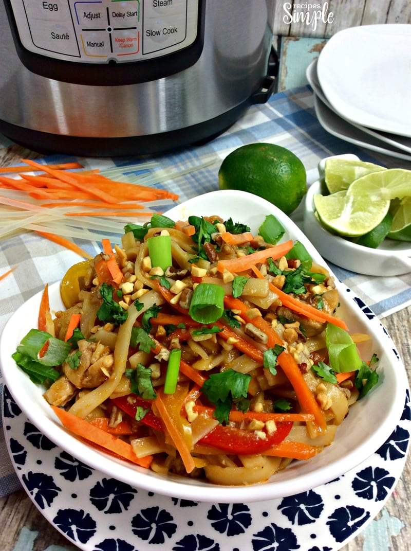 Easy Instant Pot Chicken Pad Thai