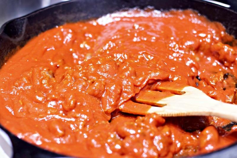 Lasagna Garlic Bread Bowls Sauce