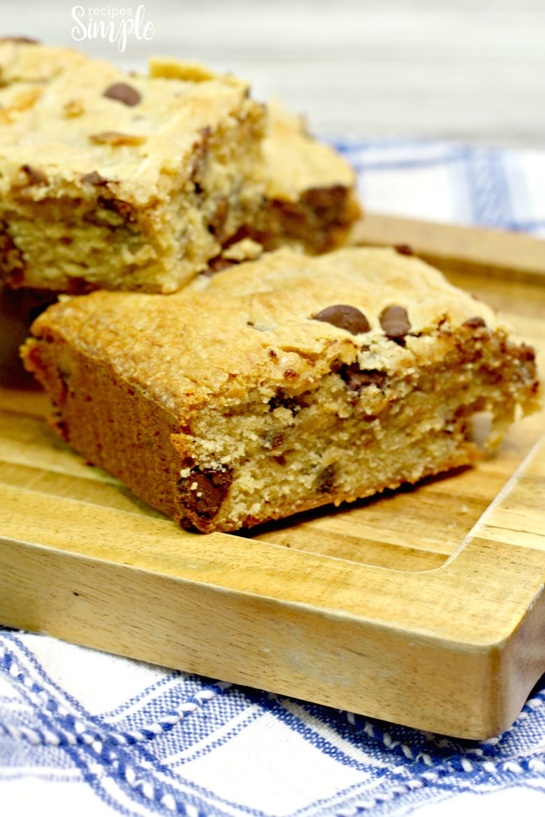 Easy Chunky Monkey Blondies